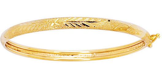 "5.5"" 14K Yellow Gold 4.2mm (1/6"") Texture Diamond Cut Domed Children Bangle Bracelet w/ Clasp"