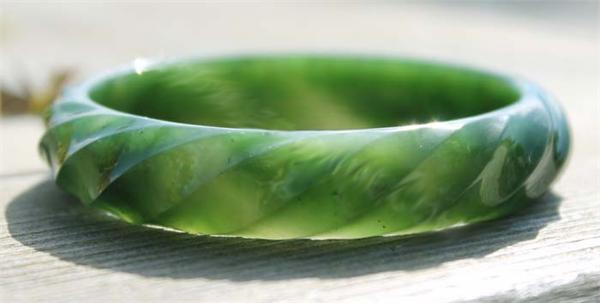 Jade Twist Bangle Bracelet (U1837-13mm55)