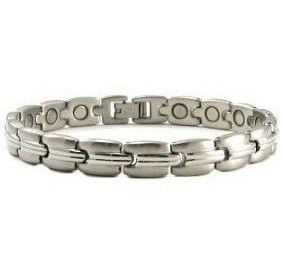 Silver Grooves - Silver Plated Stainless Steel Magnetic Therapy Bracelet (CSS-39)