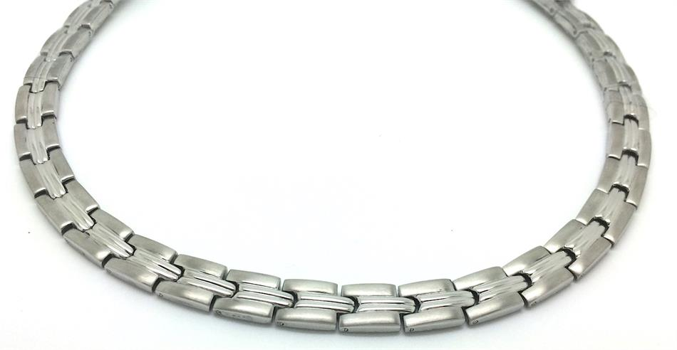 Silver Grooves - Silver Plated Stainless Steel Magnetic Therapy Necklace (SSN-19)