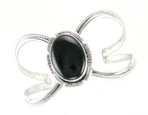 Single Oval Black Onyx Cuff Bracelet - Navajo Native American Handcrafted - DISCONTINUED