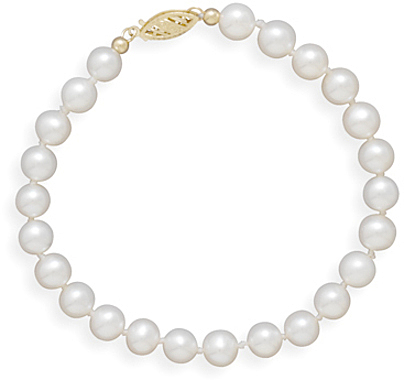 "7"" 5.5-6mm Cultured Freshwater Pearl Bracelet Individually Knotted with a 14K Yellow Gold Clasp"