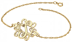 Alison & Ivy - Traditional Monogram Chain Bracelet 20mm - Customizable Jewelry Collection