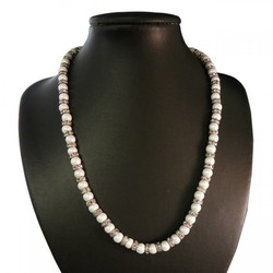 17 Simulated Pearl and Austrian Crystal Rondelle Magnetic Necklace